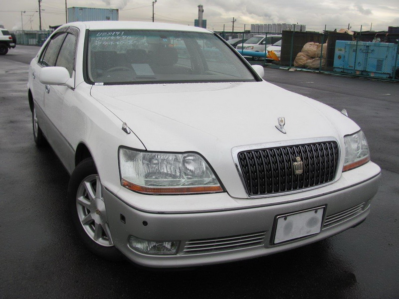2 cars incl. 2002 Toyota Crown Majesta C-Type