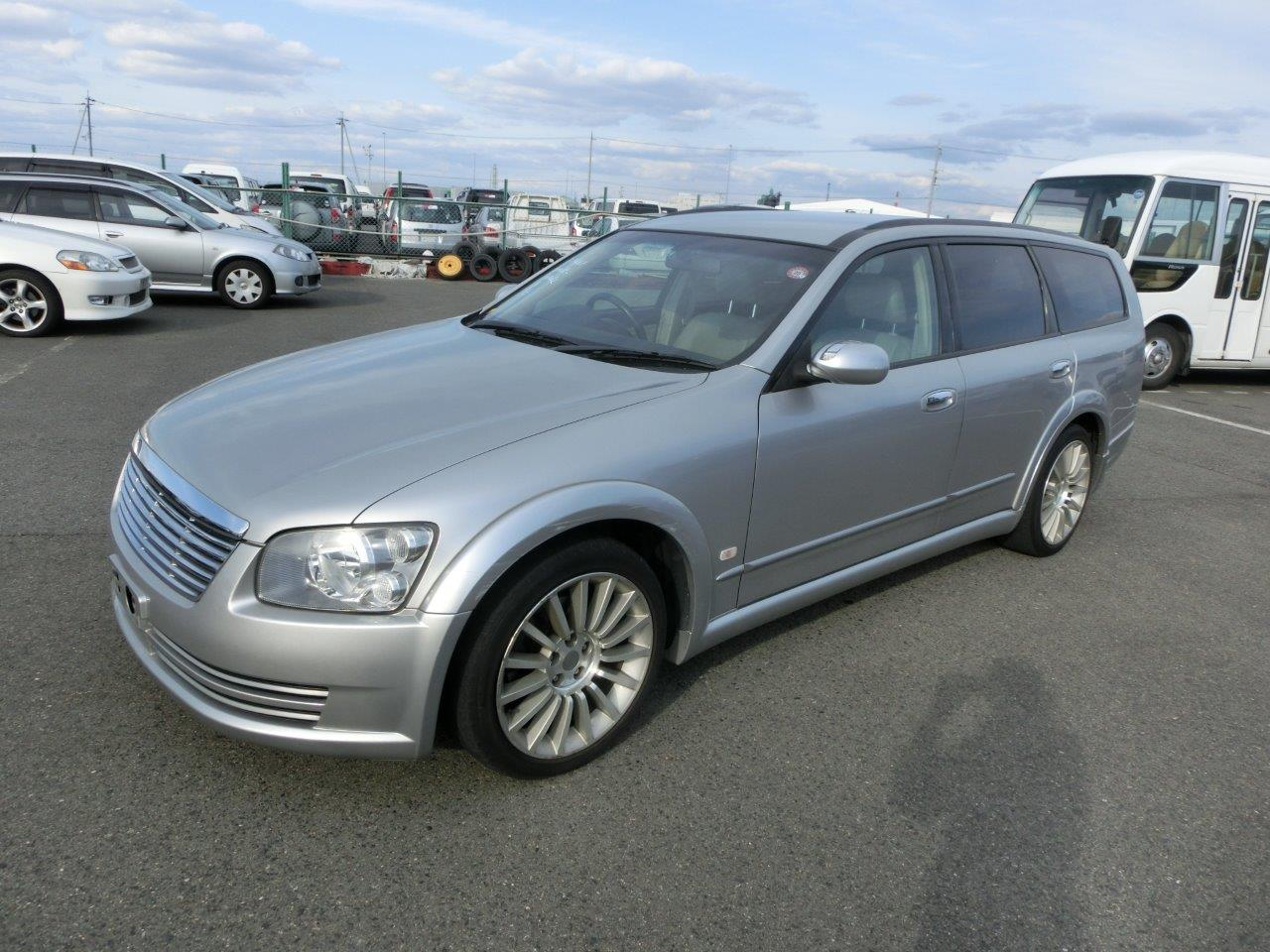 2002 Nissan Stagea AXIS