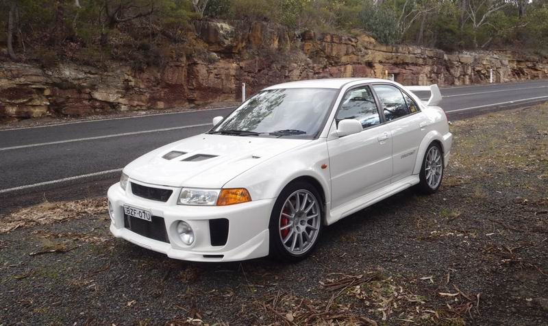 2 cars incl. 1998 Mitsubishi Lancer Evolution 5